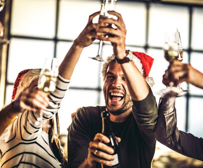 Julefrokost i firmaet med aktiviteter, underholdning mad og drikke